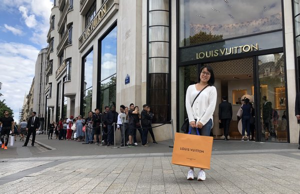 Louis Vuitton 516 Photos 291 Reviews Luggage 101 Av Des