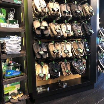 sanuk store near me