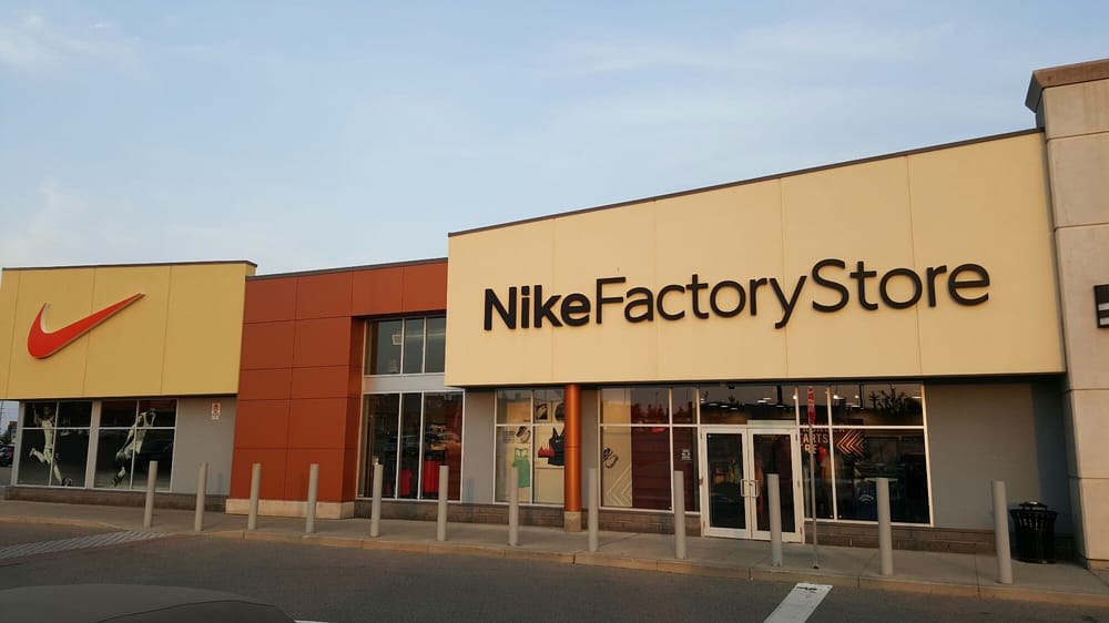 Variante Lágrimas Sin sentido  Nike Factory Store - Temp. CLOSED - 12 Photos - Shoe Stores - 3509 Wyecroft  Road, Oakville, ON - Phone Number - Yelp