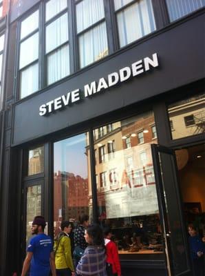 Educación escolar Empleado accidente  Steve Madden - CLOSED - 22 Reviews - Shoe Stores - 861 Broadway ...