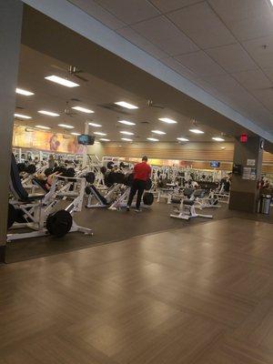 La Fitness 244 E Greenway Pkwy Phoenix Az Health Clubs Gyms Mapquest