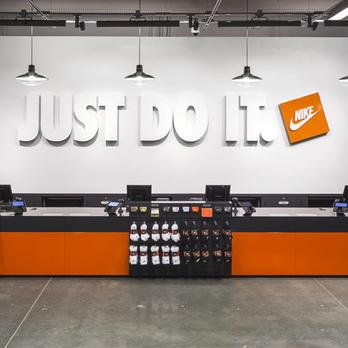 Ahora Facultad espontáneo  Nike Factory Store - 104 Photos & 148 Reviews - Shoe Stores - 4445 Camino  De La Plz, San Ysidro, CA - Phone Number - Yelp
