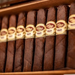 Best Cigar Bars Near Me - September 2019: Find Nearby Cigar