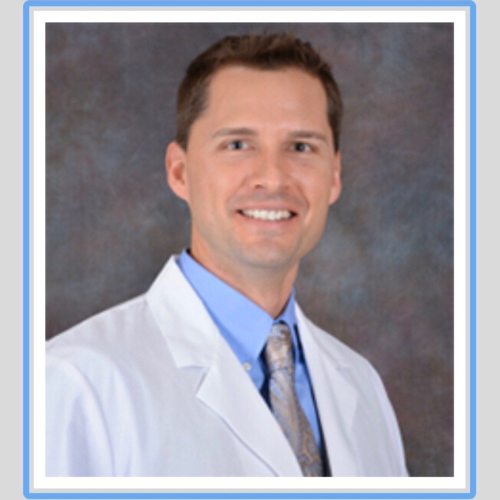 Photo of Dr Aaron O.